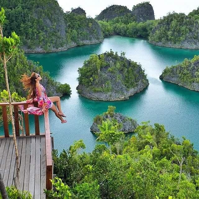 Oneplaceforyou.com | Pianemo, Raja Ampat. Indonesia