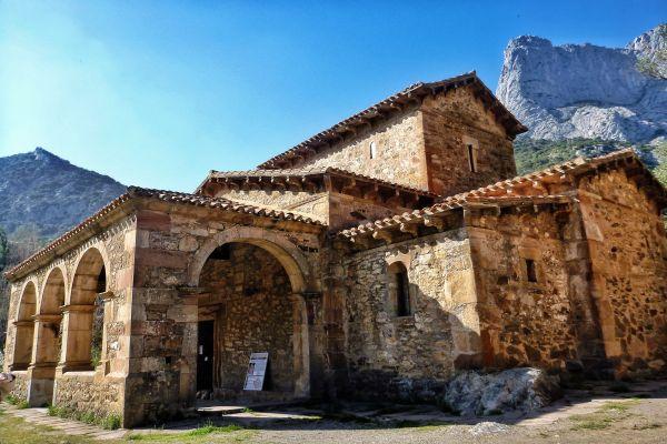iglesia-lebena-camino-lebaniego-cantabria